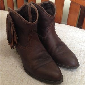 Ariat Western Duchess Ankle Boots Fringe Leather 9
